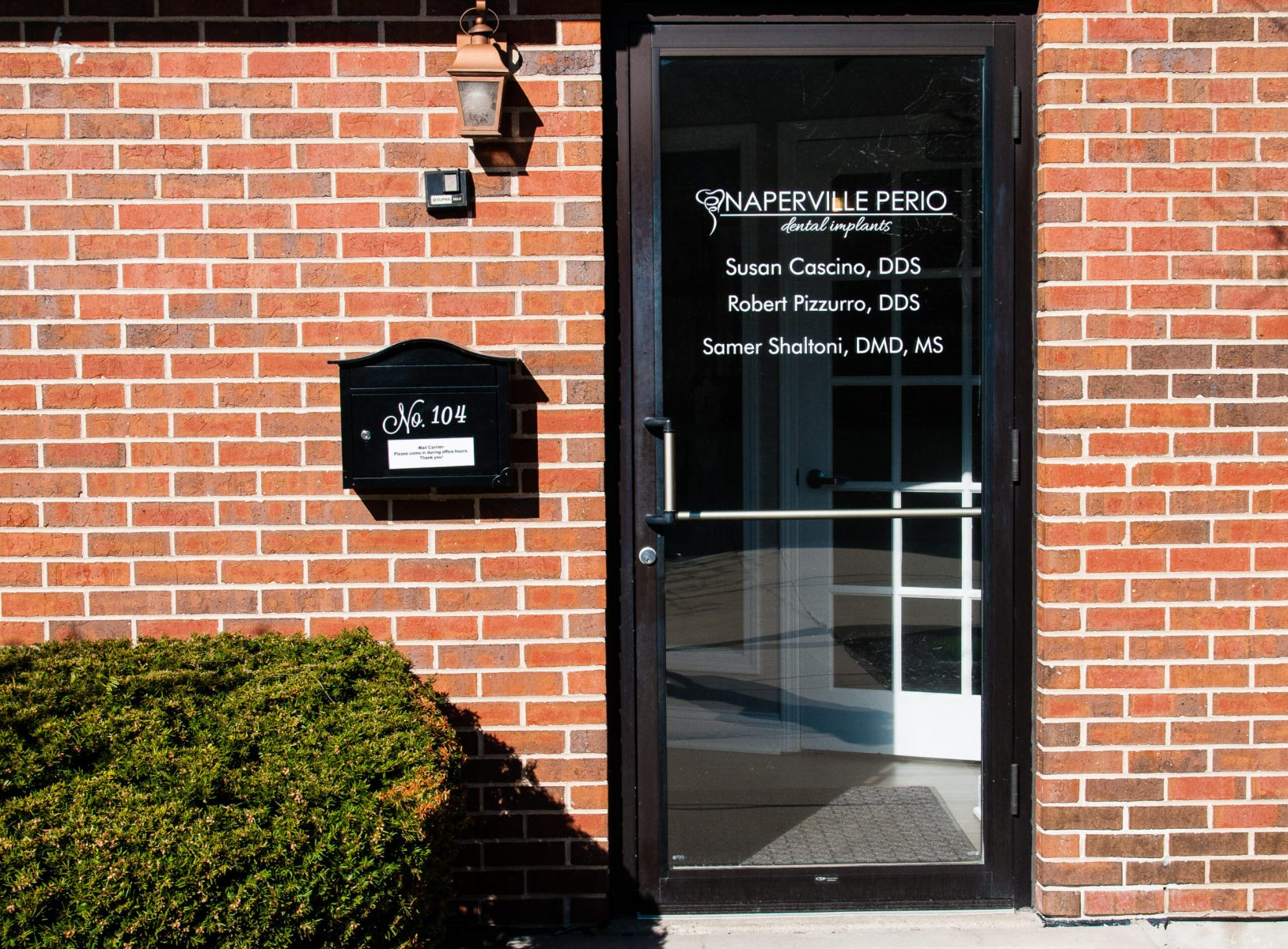 Periodontist_In_Naperville-scaled